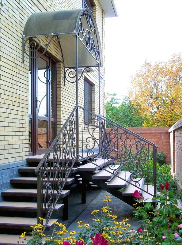 входные уличные лестницы